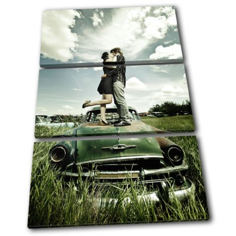 Kissing Couple Retro Car Love - 13-0162(00B)-TR32-PO